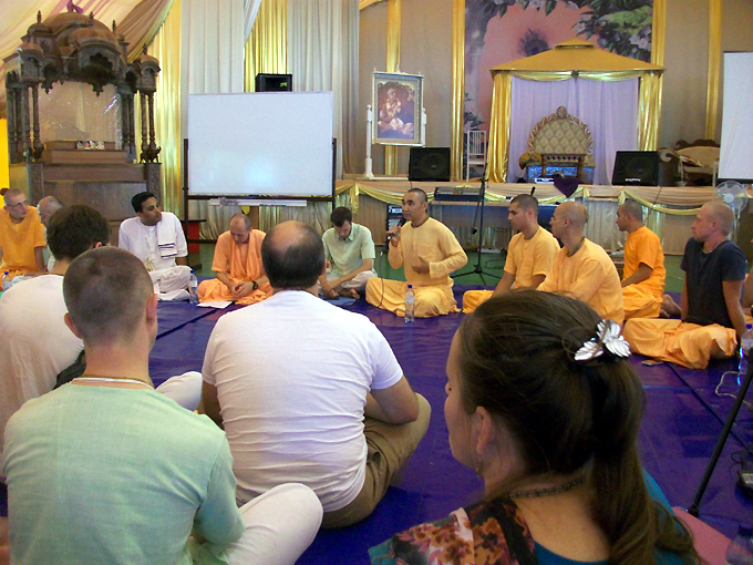 Protest   Moscow ISKCON Temple to be closed by Moscow governmentIskcon Temple Russia